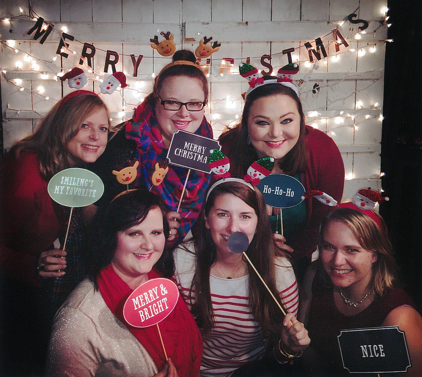 07-kappa-delta-headquarters-staff-christmas-party-communications-department-photo